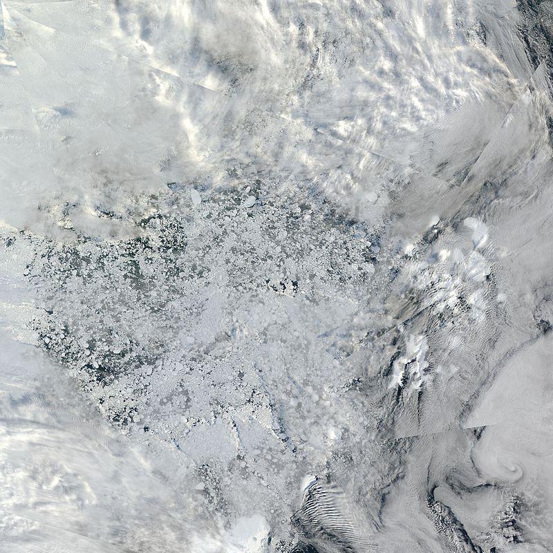 Arctic_r03c04.2010248.aqua.1km
