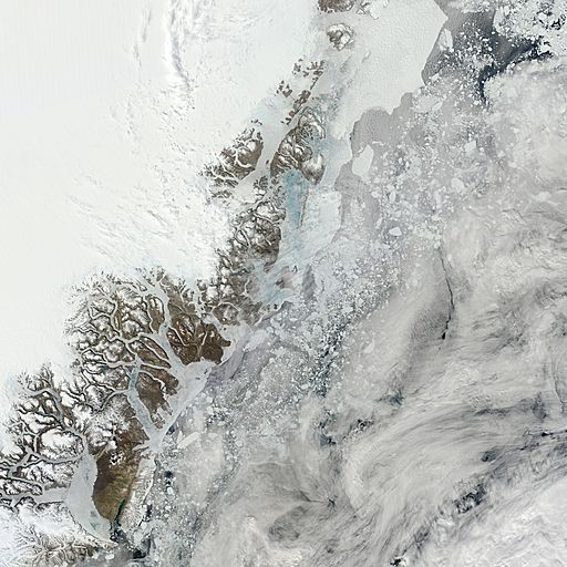 Arctic_r02c03.2013172.terra.2km