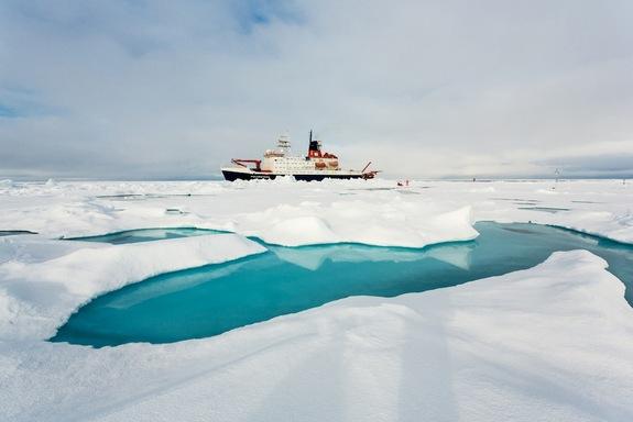Arctic-sea-ice-landscape